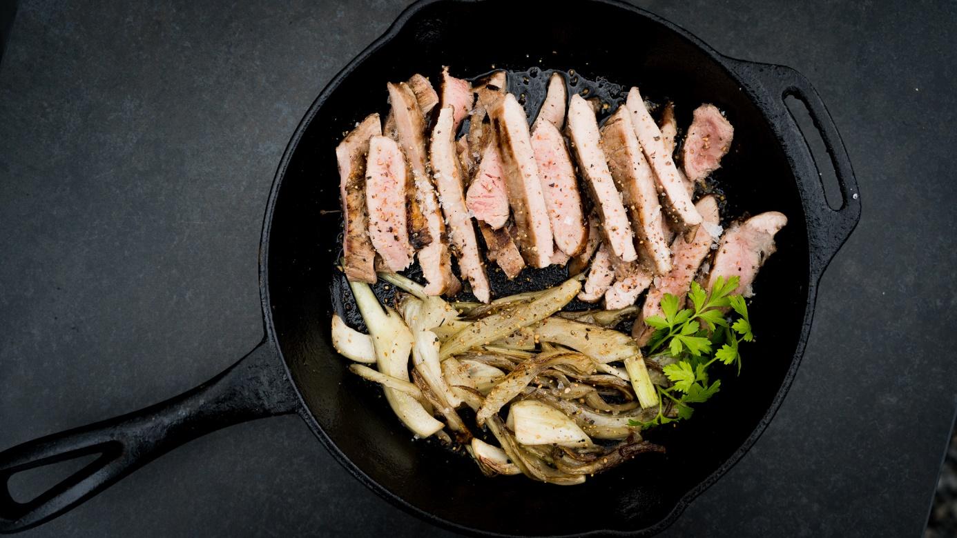 Flank Steak vom Schwein mit Fenchel